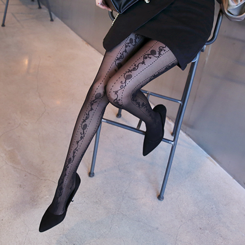 Dabagirl Flower Embroidered Stockings